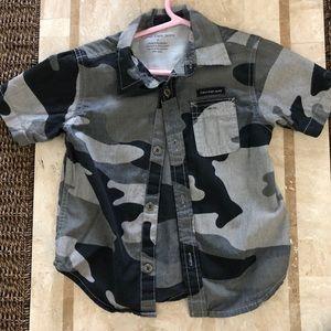 Boys Calvin Klein short sleeve cammo shirt 2T